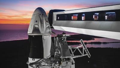 SpaceX'ten uzay turizmi adımı