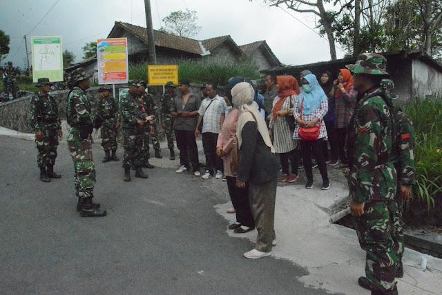 Evakuasi Warga Balai Ranti Kemalang (Sekenario latihan)