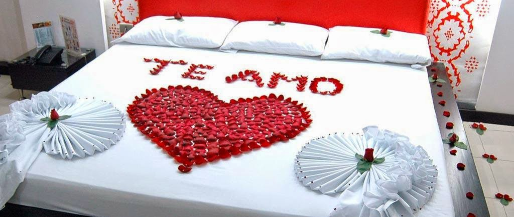 Imagenes para decorar camas y mesas romanticas en san for Cuartos decorados para aniversario