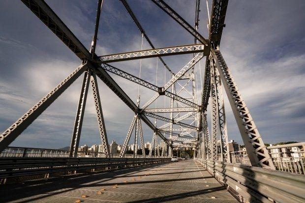 Ponte Hercílio Luz em manutenção - foto: Ricardo Wolffenbüttel/Secom