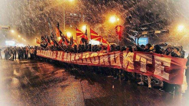 Tausende Mazedonier demonstrieren gegen Namensänderung