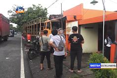 Truk Tabrak Rumah Dan Kantor Pos Di Nganjuk, Sopir Tewas