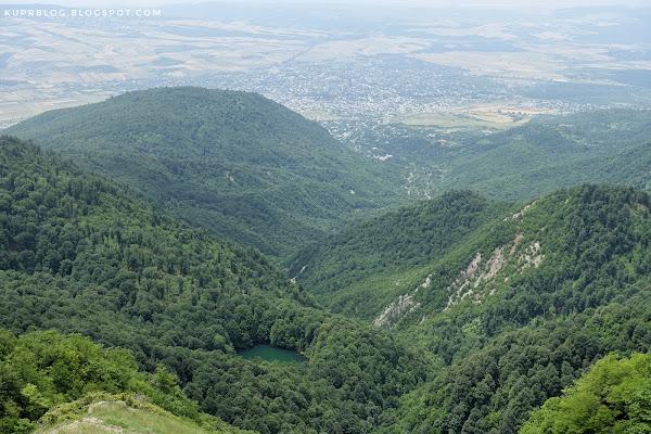 Вид на озеро Гаранохур с Ниалдагского хребта
