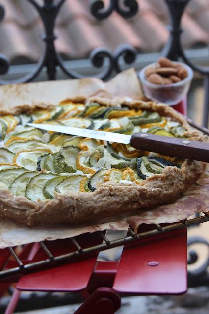 Tarte rustique courgette-amande (vegan)