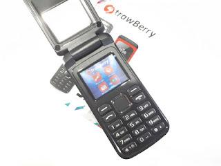 Strawberry ST808 Shoju Flip Phone