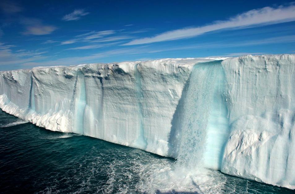 Antarctica-Photo-by-Keen-Press