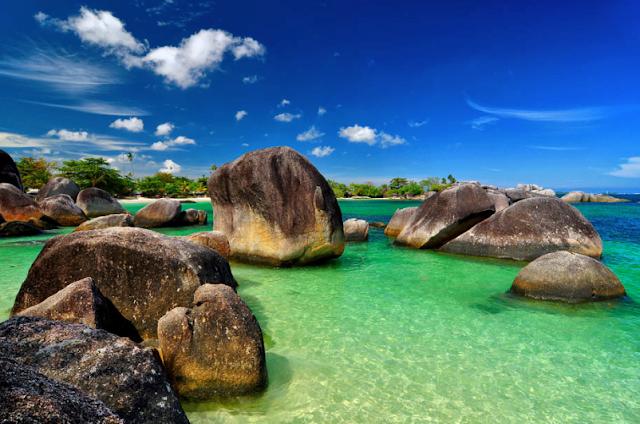 daftar 10 pantai terbaik di indonesia - Pantai Tanjung Tinggi, Bangka Belitung