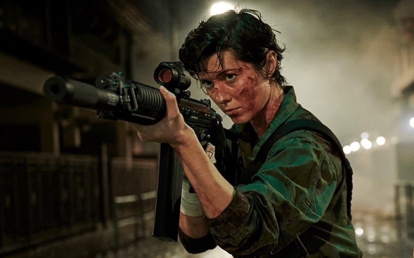 Боевик «Кейт» с Мэри Элизабет Уинстэд от Netflix получил рейтинг R за жестокость