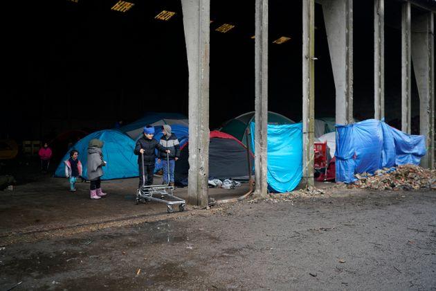 Migrants à Calais: la justice saisie pour rétablir les distributions de repas
