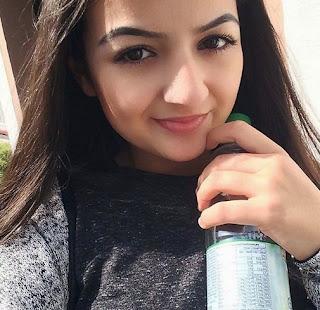 sexy junge arabische Frau