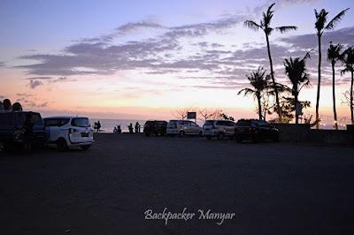 Pantai Munggu mempunyai area parkir
