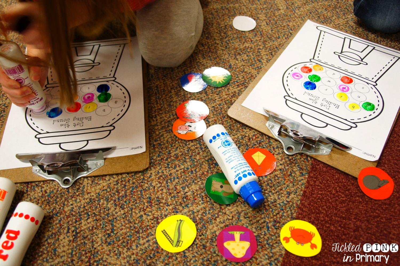 ending sounds center using bingo markers