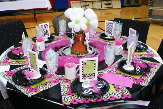Spring luncheon stage and table decoration ideas