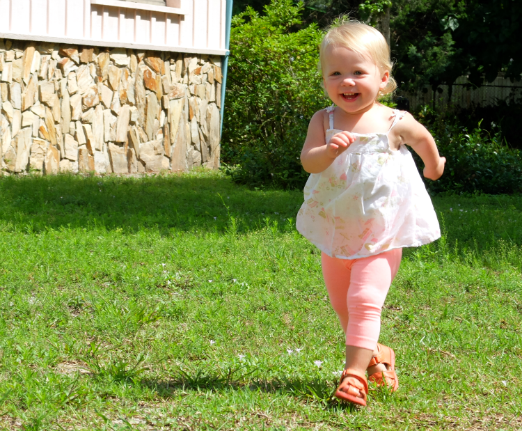 Toddler photography, a picture every month in 2014