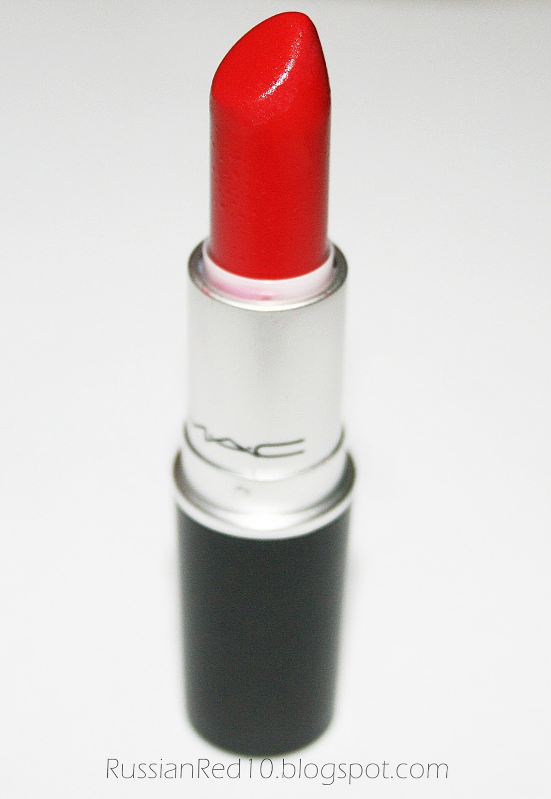 Mac Red Lipstick: The Face Guide: Review: MAC Russian Red Lipstick