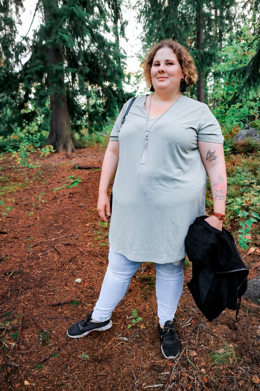 Big mamas home by Jenni S. Mokkatakki ja vihreä tunika