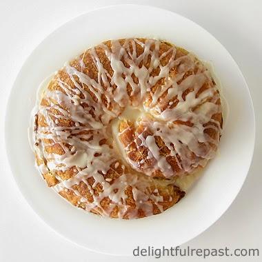 Coffee Cake / www.delightfulrepast.com