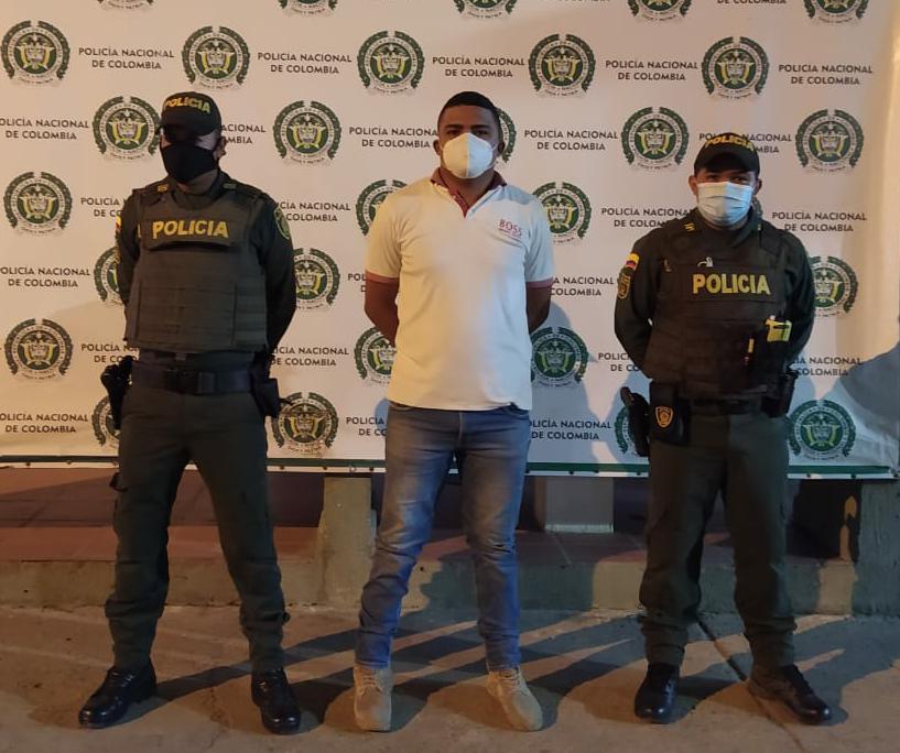 https://www.notasrosas.com/Capturado en Maicao, por homicidio en la Zona Bananera