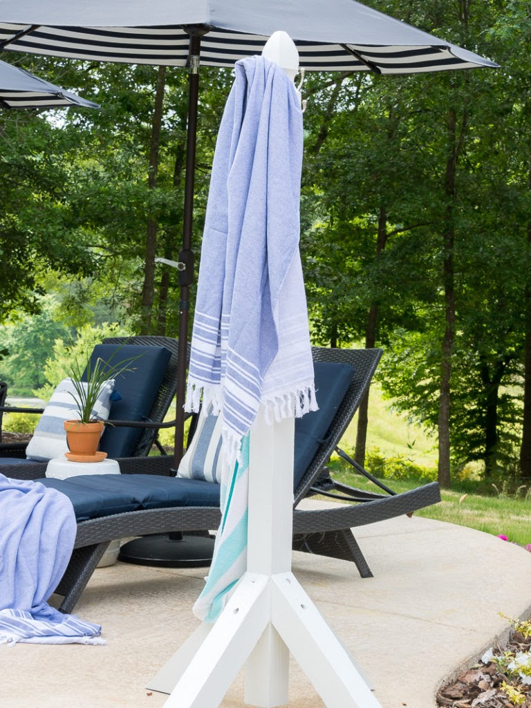 DUKE MANOR FARM | DIY POOLSIDE TOWEL HOLDER