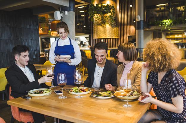 Tugas Crew Restaurant