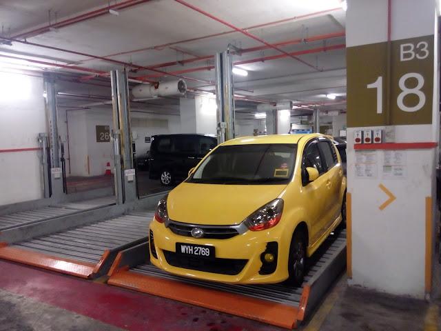 Tempat letak kereta di Hotel Premiera Menara MARA Kuala Lumpur