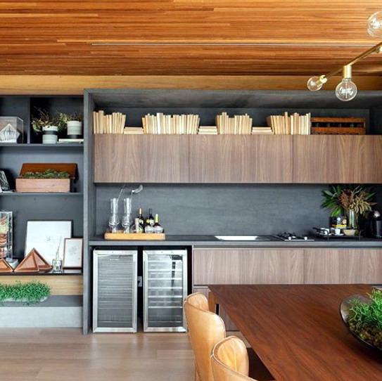 desain interior rumah minimalis yang teritegrasi dengan warna pada ruang makan dan dapur