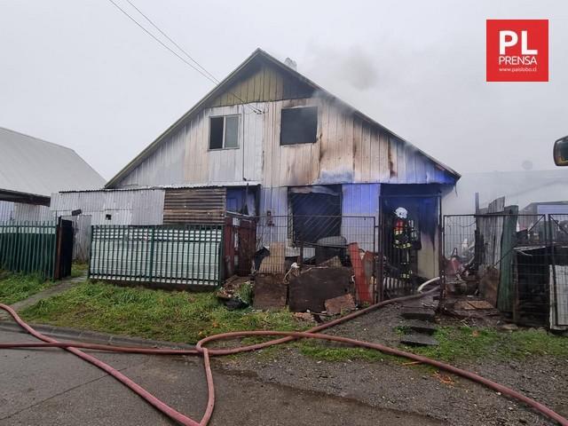 Incendio destruye vivienda en Puerto Montt