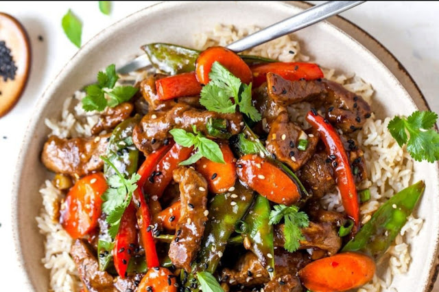 """<img src=""""Meat sauce.png"""" alt=""""meat sauce with rice in a plate. Easy meat sauce with jar sauce recipe"""">"""