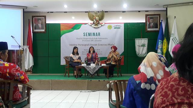 Guru SMAN 110 Ikuti Seminar Koalisi Kependudukan Indonesia 2019