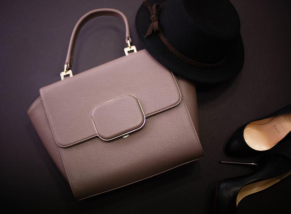 Mary Point Chris handbag.