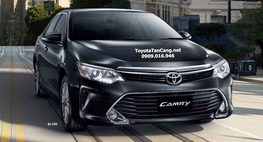 Toyota Camry 2015 phiên bản thể thao dáng vẻ mạnh mẽ đặc trưng với thanh cản phía trước xe và hốc gió lớn hơn