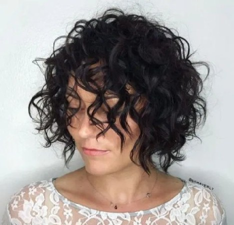 Sexy Tousled Wavy Bob for Brunettes