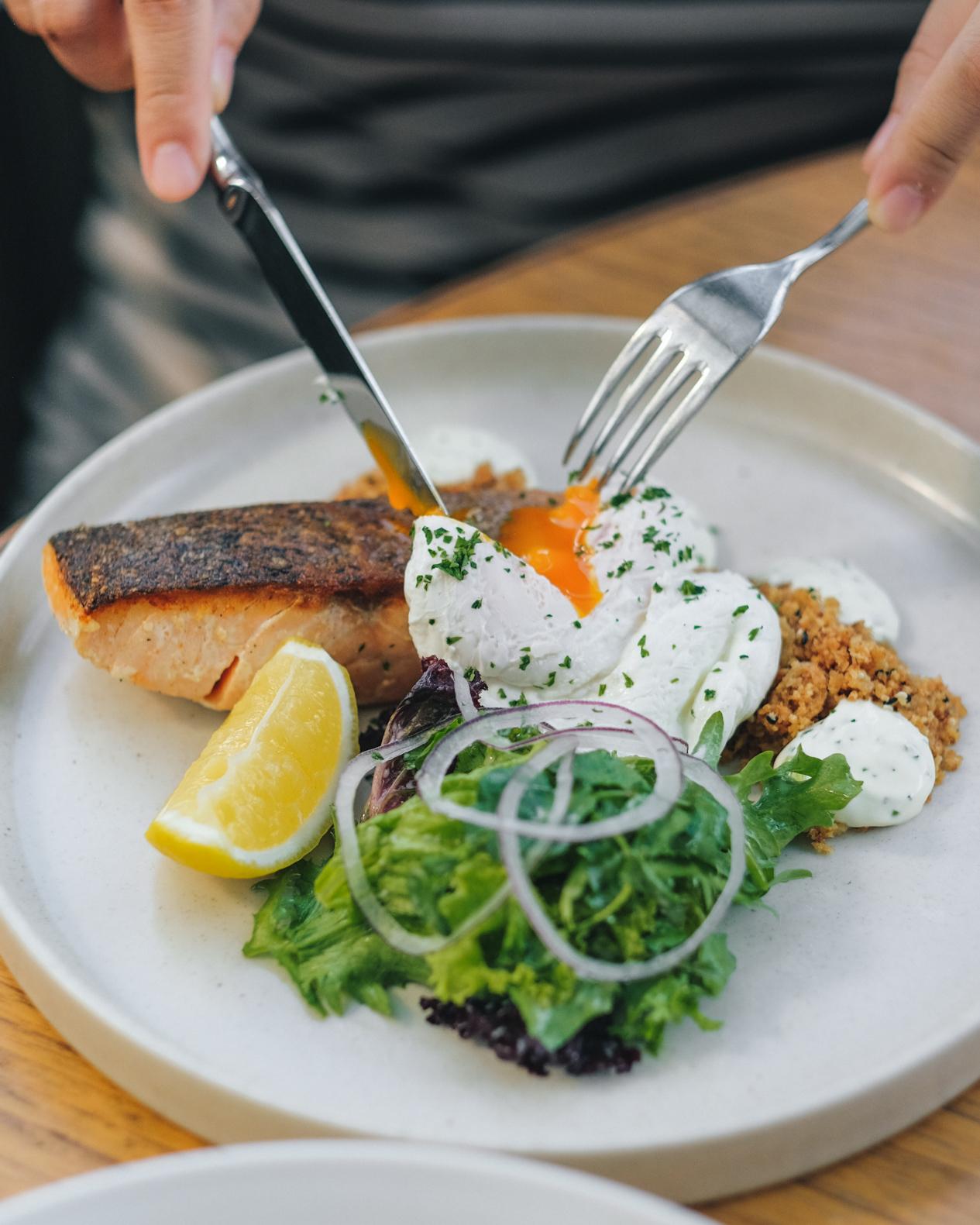 Mei 2018 Eatandtreats Indonesian Food And Travel Blogger Based Voucher Makan Basque Jakarta Pork Belly Egg Florentine Idr 95k
