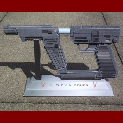 Papercraft V Reptilian Laser Pistol