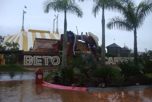 Visita ao Beto Carrero World em dia de chuva