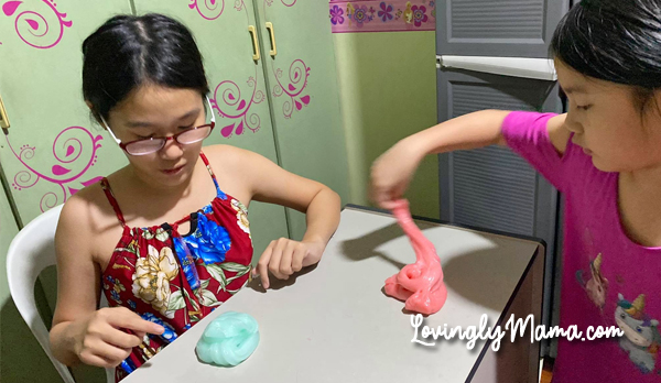 3-ingredient slime, activity for kids, colored glue baking soda, contact lens solutions, covid-19, DIY slime, easy slime recipe, Elmer's Glue, glue, glue with glitters, homecooking, homeschooling, how to make slime, how to play with slime, kitchen, lockdown, playing with slime, playtime, slime, slime activator, slime ingredients, slime recipe, stay at home, stay safe, summer, summer vacation, toys, travel, wash hands, white glue