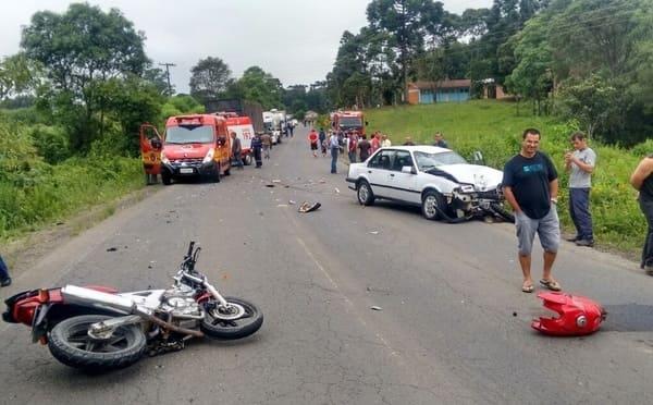 Acidente deixa motociclista ferido na SC-477 no Salseiro
