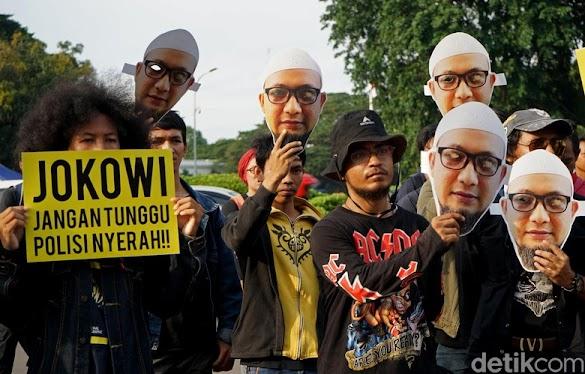 Jokowi Harus Buktikan Kasus Novel Bukan 'Geluduk Tak Hujan-hujan'