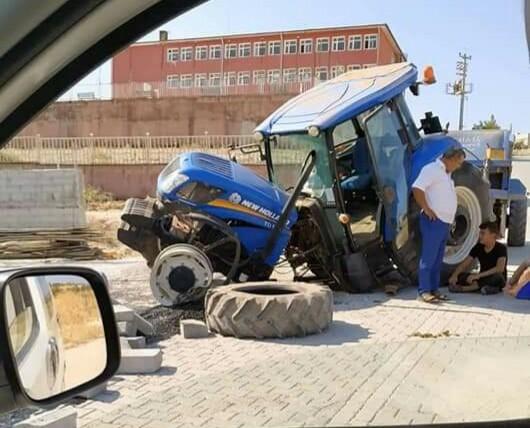 Bozova'da iki traktör çarpıştı: 2 yaralı