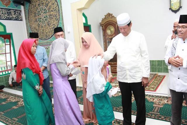 Safari Ramadhannya di Pulau Kundur, Isdianto: Tingkatkan Amalan Kebaikan