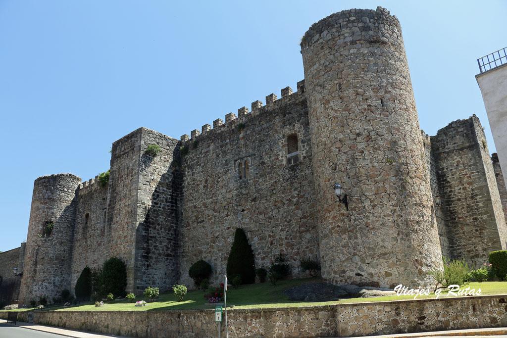 Lateral del Castillo de Arenas de San Pedro