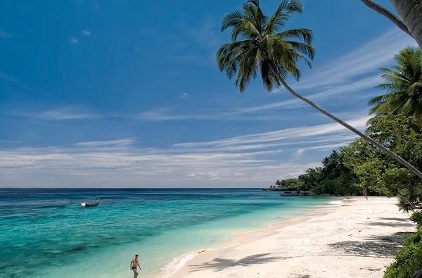 Sumur Tiga Beach, the Most Beautiful Beach on the Indonesian Edge