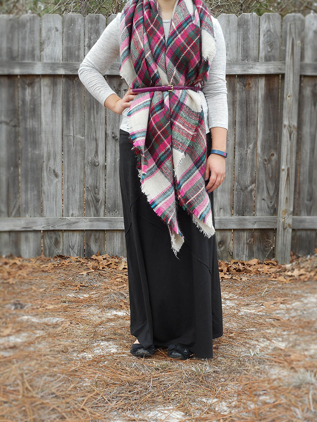 black maxi skirt black flats oatmeal marled tee pink blanket scarf mix it Monday outfit casual pretty bow