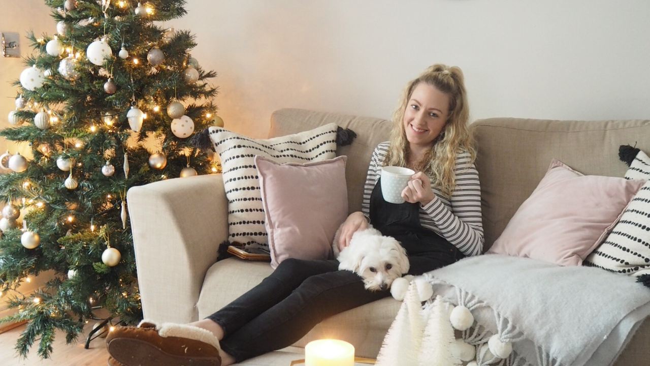 How to decorate your home on a budget and not feel pressured to have an Instagram pinterest perfect Christmas home. Choose budget interiors and make your own decorations for pennies to create a magical christmas home.
