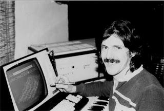El ingeniero Peter Vogel trabajando con el Fairlight CMI Serie I en 1979