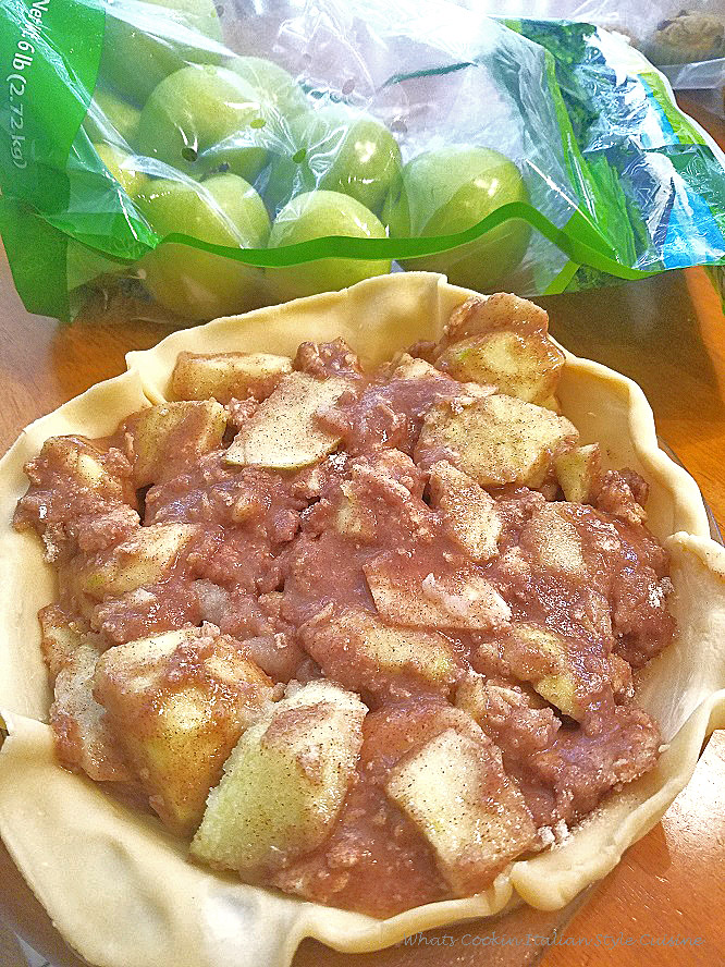 these are granny smith apples. this is an homemade apple pie Upstate Utica, New York Style. My mom's recipes used all from scratch homemade ingredients. The crust is a homemade recipe along with the homemade apple pie filling. this recipe is the best