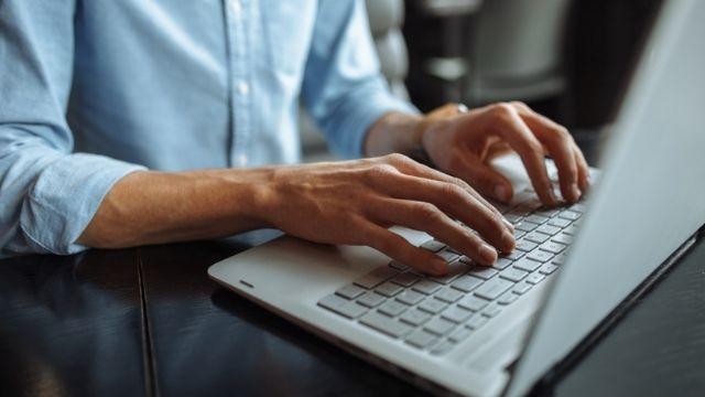 شهادة في صناعة المحتوى الرقمي من إدلال