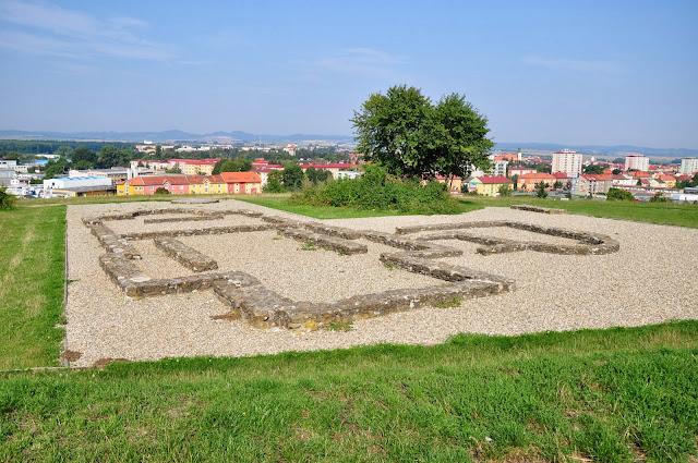 Staré Město, Uherské Hradiště - kościól romański w dzielnicy Sady