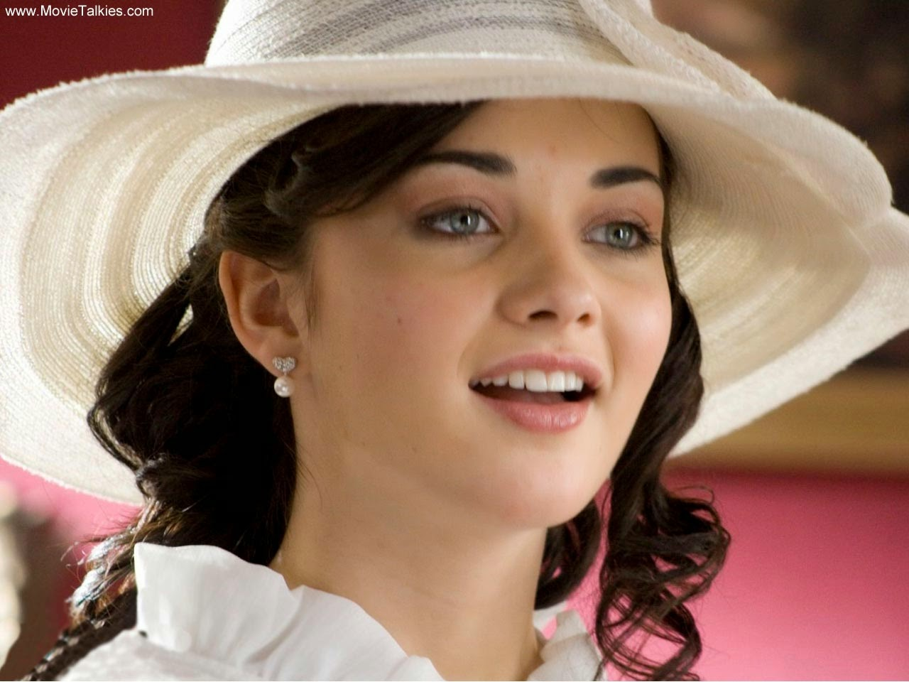 I Movie Heroine Amy Jackson Wallpapers And Fun Facts ...