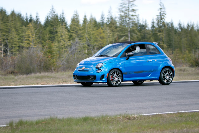 Fiat 500 Abarth on track